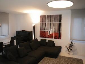 salón moderno, decoración con varios cuadros, fotografía partida, impresión digital, soporte de impresión