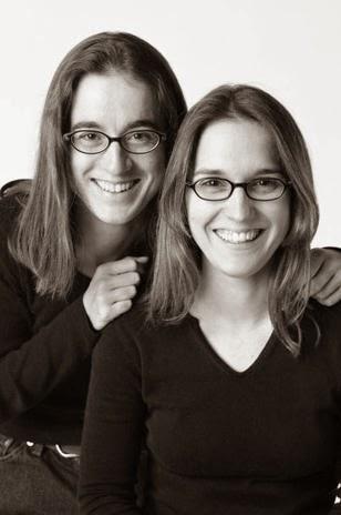 François Brunelle,parecidos, parejas, reúne a dobles,proyecto que une a desconocidos,no se conocen,personas iguales entre sí,retrató,parecidos sin parentesco,fotógrafo,fotografía,objetivo 3.0